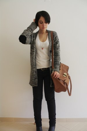 H&M boots - Primark bag - Primark t-shirt - Lefties cardigan - made by me DIY ne