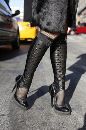 STEE-LETAS boots