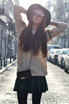 black leather Vesst skirt - beige knitted Sheinside sweater