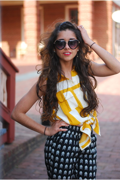 black Forever 21 sunglasses - mustard Urban Outfitters dress
