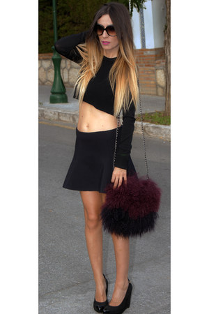 black Cuple wedges - crimson Zara bag - black pull&bear skirt - black Zara top
