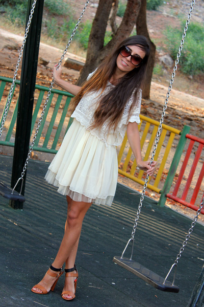 cream Bailly Bijoux dress - brown Mango sunglasses - tawny Zara heels