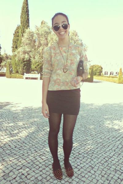 black bag - black glasses - black skirt - accessories