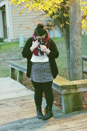 black duster Yoins cardigan - black boots Vinted boots