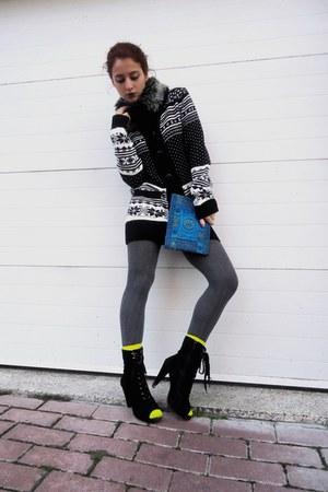 black Pull & Bear cardigan - black Parfois boots - blue bag - yellow BLANCO sock