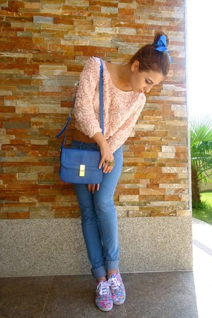 light pink Zara sweater - blue BLANCO bag