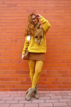 mustard She Inside sweater