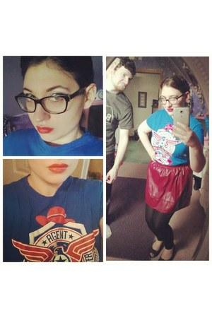 blue reedpop t-shirt - maroon Forever 21 skirt