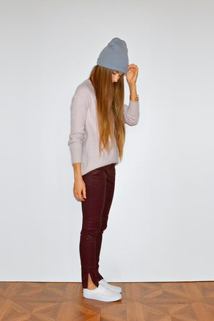 brick red Massimo Dutti jeans - light pink H&M sweater - white asos sneakers