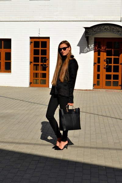 Black-zara-jumper