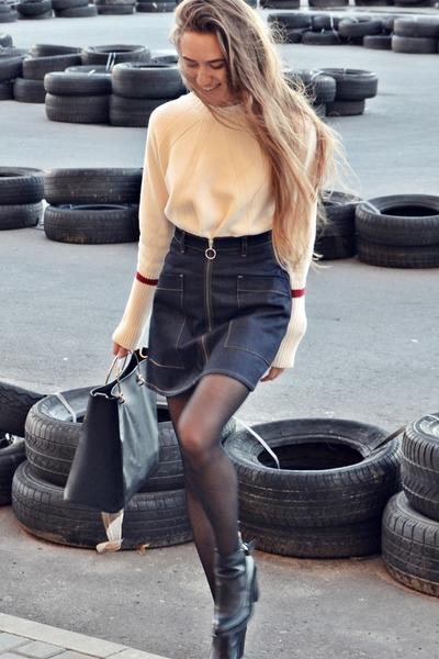 navy Monki skirt
