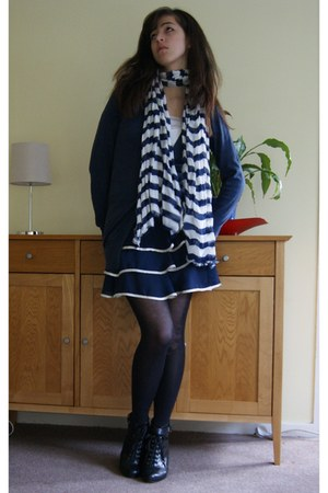 black H&M shoes - navy H&M scarf - navy new look skirt - navy new look cardigan