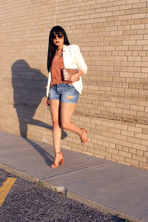 sky blue distressed Zara shorts - brick red H&M top - tawny Express sandals