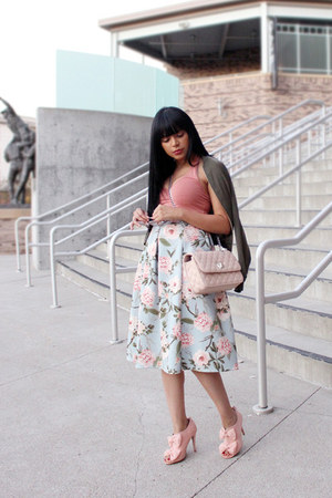 light pink crop top Express top - light pink bow Sole Society shoes