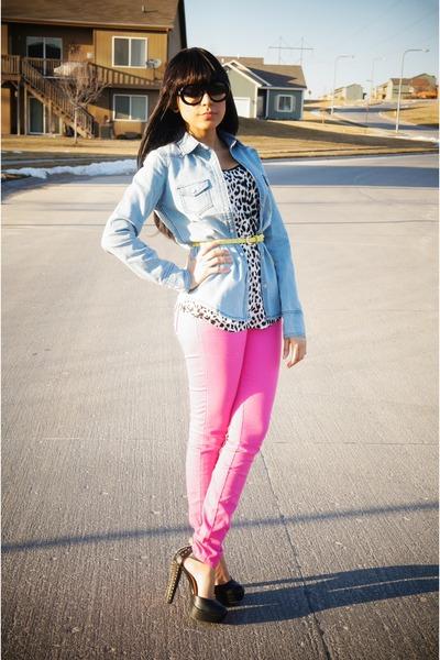 bubble gum skinny Forever 21 jeans - light blue denim Love Culture top