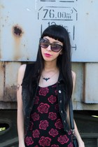 black rose tank SOURPUSS CLOTHING dress - black denim SOURPUSS CLOTHING vest