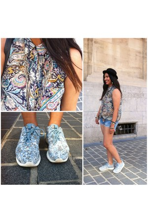 blouse - sneakers