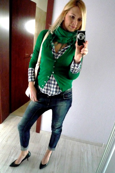 green Zara scarf - Bershka jeans - plaid H&M shirt - navy Zara bag