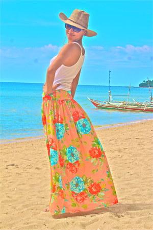 peach floral Ria Alazas skirt - tan Clients gift hat