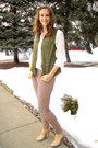 Off-white-h-m-blouse-olive-green-old-navy-vest-crimson-patterned-h-m-pants