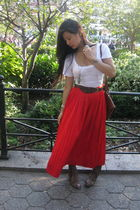red christian dior skirt - white Express t-shirt