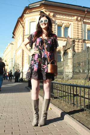 vintage boots - Miss Selfridge dress - Calzedonia tights - vintage purse - vinta