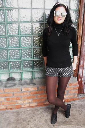 Topshop shoes - Calzedonia tights - Topshop shorts - vintage glasses