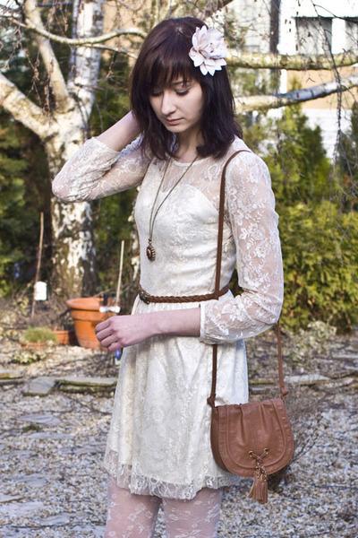white lace romwe dress