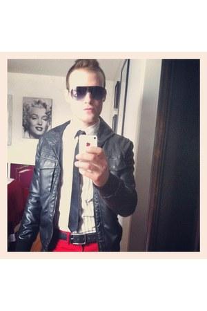 Gap pants - H&M jacket - American Eagle shirt - Marc Jacobs sunglasses