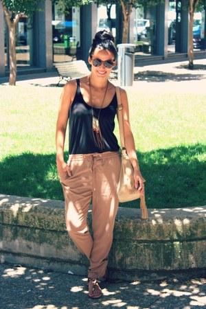 light brown Bershka jeans - black Zara shirt