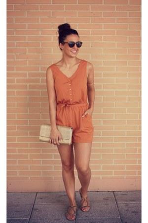 gold H&M bag - burnt orange Primark shorts - gold Zara sandals