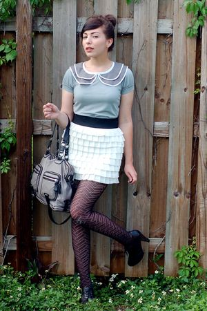 gray postlapsaria shirt - black seychelles shoes - white modcloth skirt