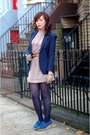 Blue-thrifted-blazer-beige-vintage-dress-blue-8020-shoes-beige-vintage-pie