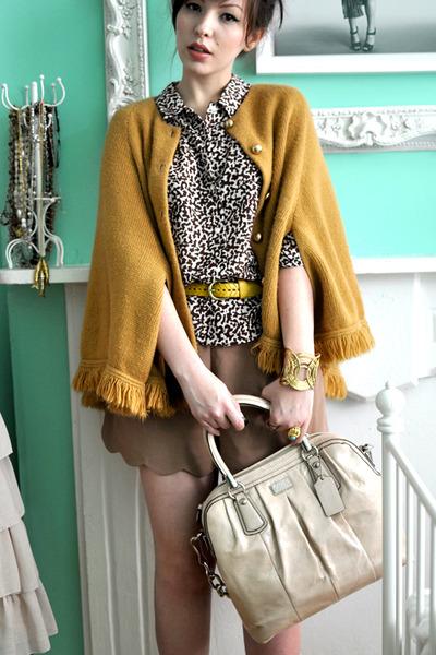 neutral coach bag - camel Queens Wardrobe shorts - bronze vintage cape - dark br