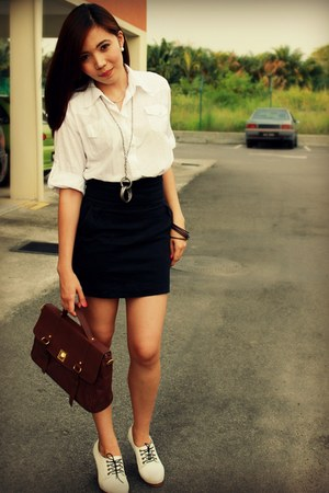 pumps - white cotton shirt - brown leather bag - skirt