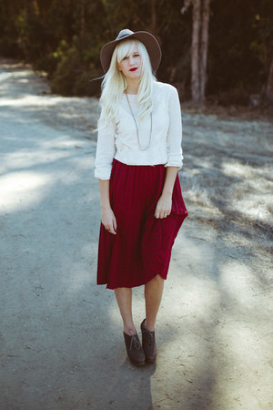 crimson Anthropologie skirt - silver Raven & Lily necklace