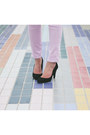 Light-purple-ankle-ag-jeans-black-karen-walker-sunglasses-gray-blouse