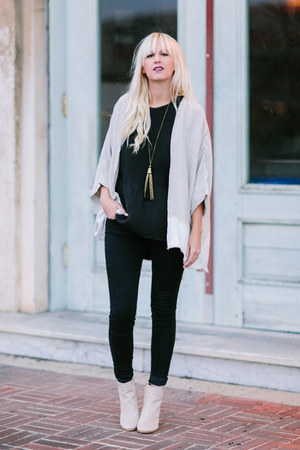 black madewell top - off white kimono Hackwith Design cardigan