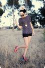 Blue-shirt-red-shoes-black-shorts-black-sunglasses-black-accessories