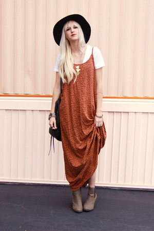 burnt orange cotton on dress - black thrifted hat