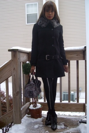 f21 coat - Hot Topic pants - Joan &amp; David shoes - vintage lace Sonia Rykiel purs