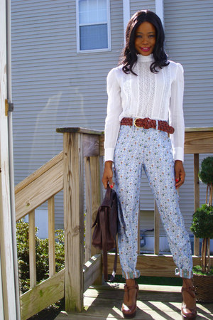 floral print Anna Sui pants - vintage shirt - vintage bag - Dollhouse wedges