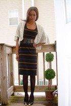f21 sweater - Zara dress - DKNY stockings - vintage shoes - Marshalls belt - vin
