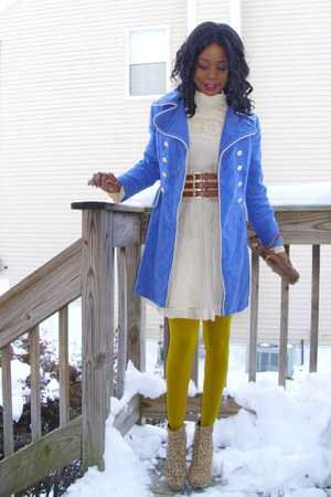 blue-white vintage coat - vintage dress - faux fur vintage bag - f21 wedges