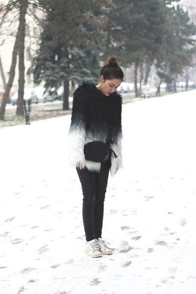 Sheinside coat - Bershka leggings - Calliope bag - Adidas sneakers