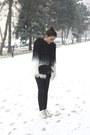 Sheinside-coat-bershka-leggings-calliope-bag-adidas-sneakers
