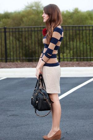 H&M shirt - theIT bag - canvas UO pumps