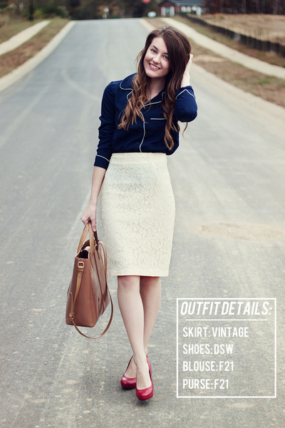 lace vintage skirt - f21 purse - f21 blouse