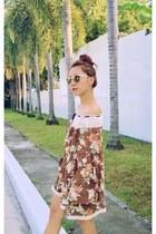 brown HKs dress