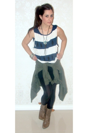American Apparel leggings - green vintage coat - vintage necklace - beige vintag